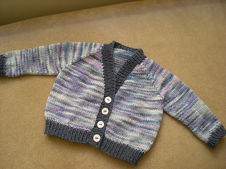 Baby_s_cardigan_small2