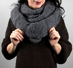 Scarves_harrisoncowl2_small