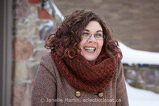 Fosetta_cowl_cropped_watermarked_small2