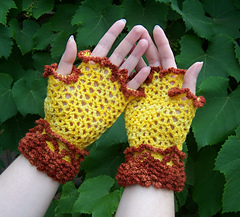 Lace_mitts_003_cropped_small