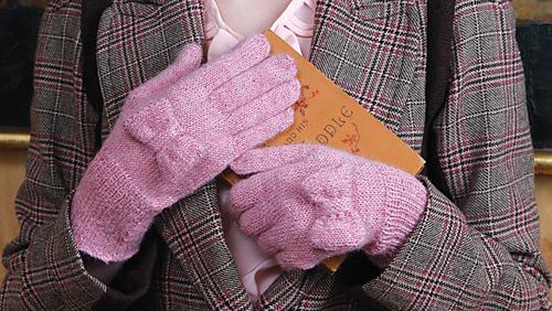 Melodie_gloves_2_medium