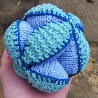 Knit_amish_puzzle_ball_pattern__27__small2