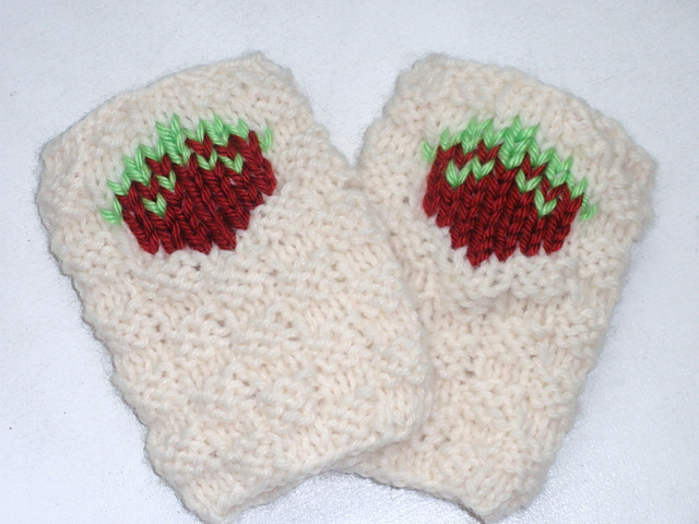 Strawberry Patch Handwarmers
