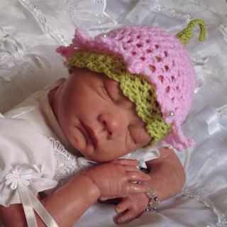 Beautiful_babys_bonnets_026_small2