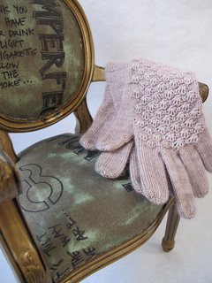 Cockleshell_gloves_boudoir_009_small2