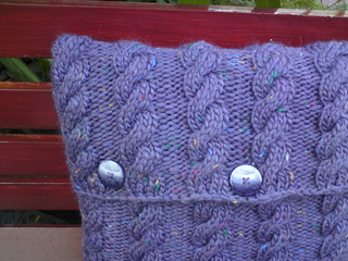 Veese_shelley_cable_cushion_012_small2