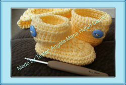 FREE Crochet Baby Ankle Boots Pattern - Baby Nursery Decor