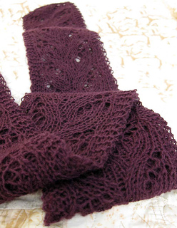 Rich_s_susan_scarf_for_beth_small2
