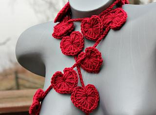 Crochet_puffy_heart_lariat_main_small2