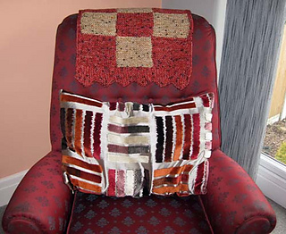 S_mum_chairback_cover_on_chair_small2