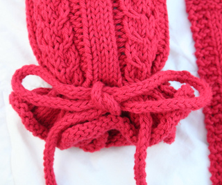Cables__n_columns_sack_sock_bottom_small2