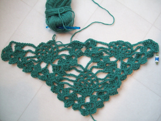 Pineapple_prayer_shawl_01_small2
