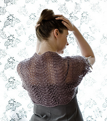 Easy_breezy_shoulder_shrug_2_caroline_maasing_small