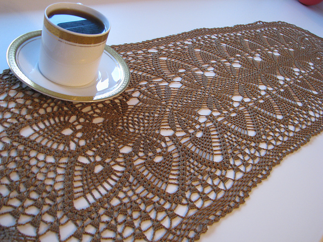 Table runner, page 4