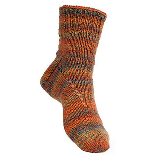Simple_socks_with_slant_floating_small2