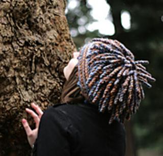 Hat7b_up_at_tree180_small2