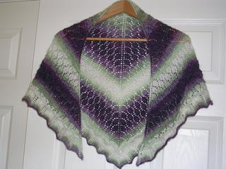 Patons_lace_shawl_3_small2