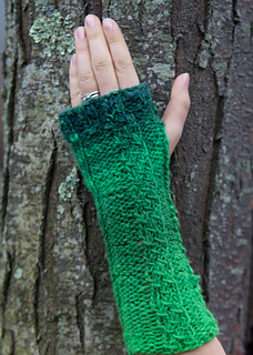Chain-two-green-glove-5_small2