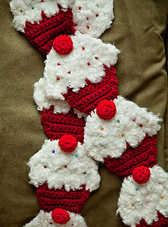 Cupcakescarf4_small2