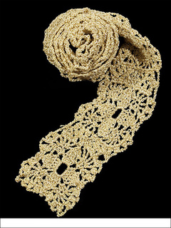 Crocheted_lace_scarf_small2