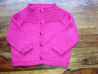 Lola_s_sweater_small2