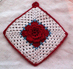 Irish_rose_potholder_small