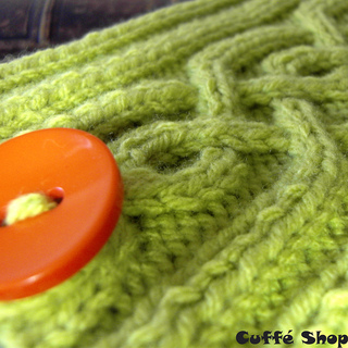 Poetry_kindle_cover_knitted_green_small2