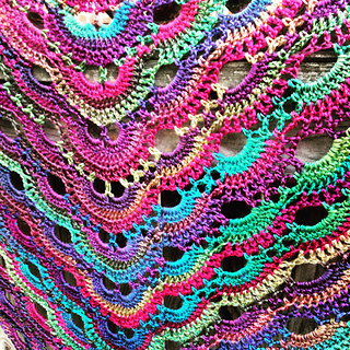 Crochet Pattern Virus Shawl : Ravelry: Virus shawl / Virustuch pattern by Julia Marquardt