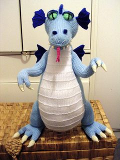 Knitted_dragon__enhanced__small2