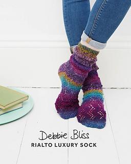 Db079_bobble_lace_socks_small2