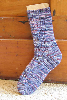 Pine-cone-sock-rav_small2