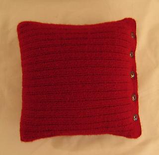 Red-pillow-top-rav_small2