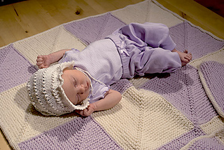 Mitered-square-baby-blanket-with-baby_small2