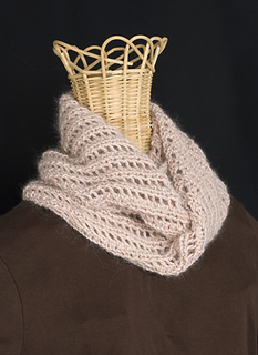 Lacy-wrap-scarf-for-rav_small2