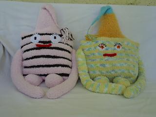 Stanascrittersetc_huggaluf_pillows_small2