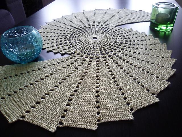 Nertos servetėlės su schemomis
