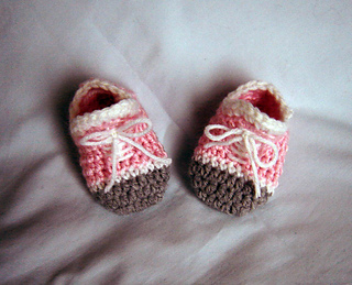 Pink_booties_small2