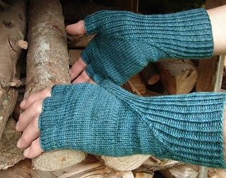 Hiddengusset_gloves1_small2