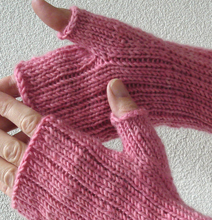 Pinstripe_gloves_2_small2