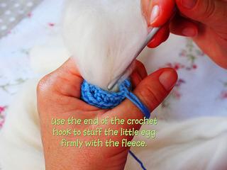 Crocheted_easter_egg_21_1_small2