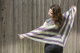 Crochet-beginners-triangle-shawl_small2