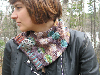 Midnight_sun_cowl--re-sized_small2
