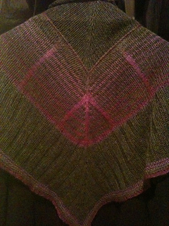 Bermuda_triangle_shawl_021_small2
