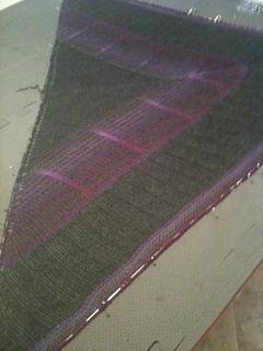 Bermuda_triangle_shawl_018_small2