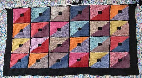 Triangle_cushion_-_4_rows_sm_medium