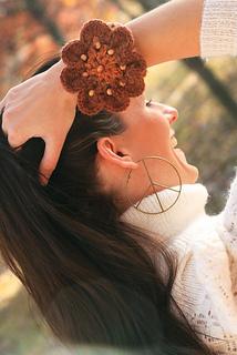 Flower_bracelet_small2