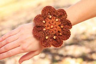 Flower_bracelet_02_small2