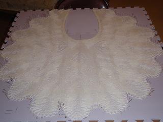 2011_craft_lace_shawl_1_small2
