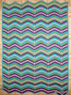 Faded-ripple-free-crochet-pattern-baby-blanket-chunky-weight-yarn_small2