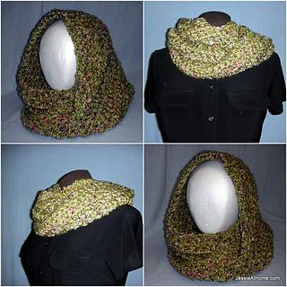 Ali-mobius-cowl-free-crochet-pattern-lion-brand-homespun_small2